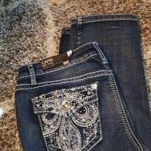 Apt 9 Distressed Capris Jeans